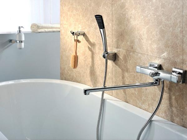 длинный смеситель для ванной