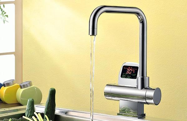 сенсорный кухонный смеситель