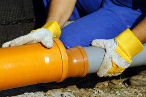 Производим монтаж труб для канализации самостоятельно