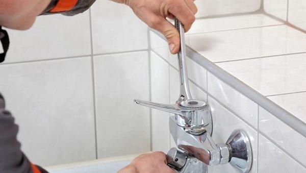 Как установить смеситель для ванной с длинным изливом