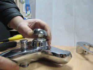 Ремонт смесителя для раковины своими руками