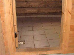 Слив в бане: каким он должен быть